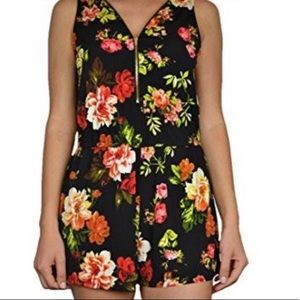 Ambiance floral zip romper size Large